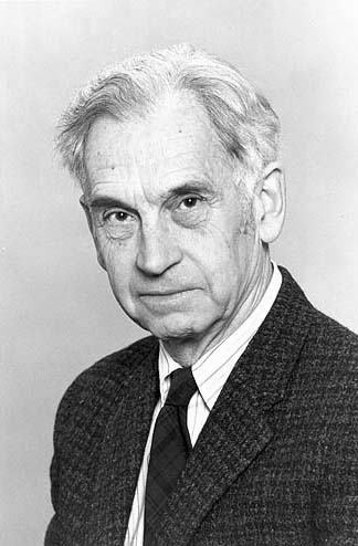 "Ernst Mayr, a Harvard evolutionary biologist often referred to as the ""Darwin of the 21st Century, was another important scientist who advised the Preserve in its early years."